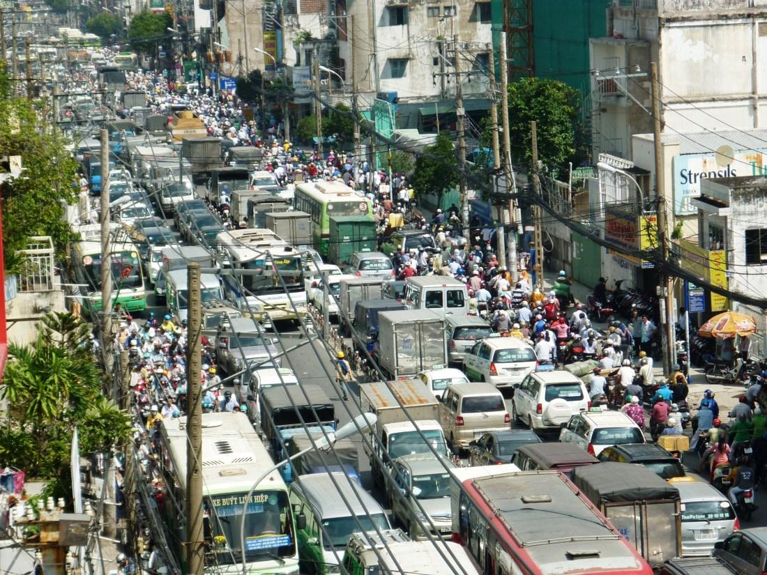 Traffic_jam_on_Phu_Nhuan_district