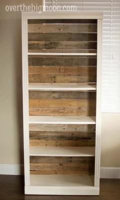 Pallet Backed Bookshelf