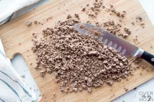 Chop the chocolate finely and prepare for toffee! From overthebigmoon.com!