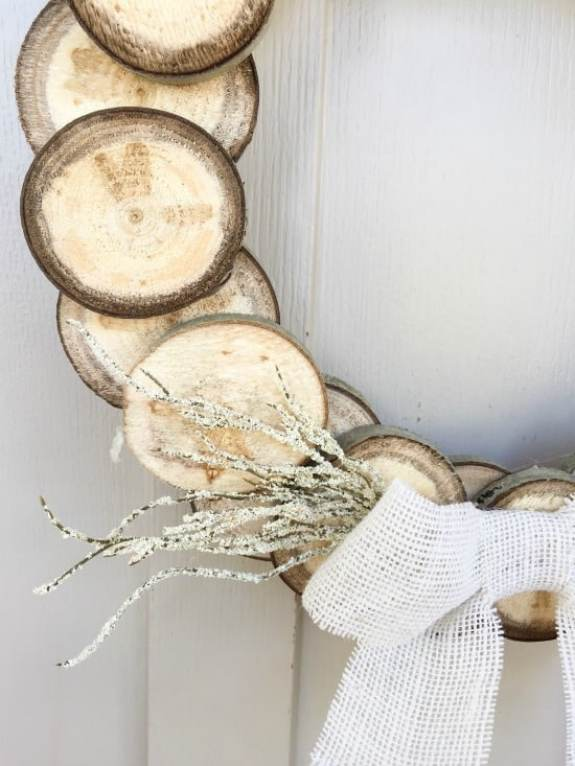 diy-wood-slice-thanksgiving-wreath