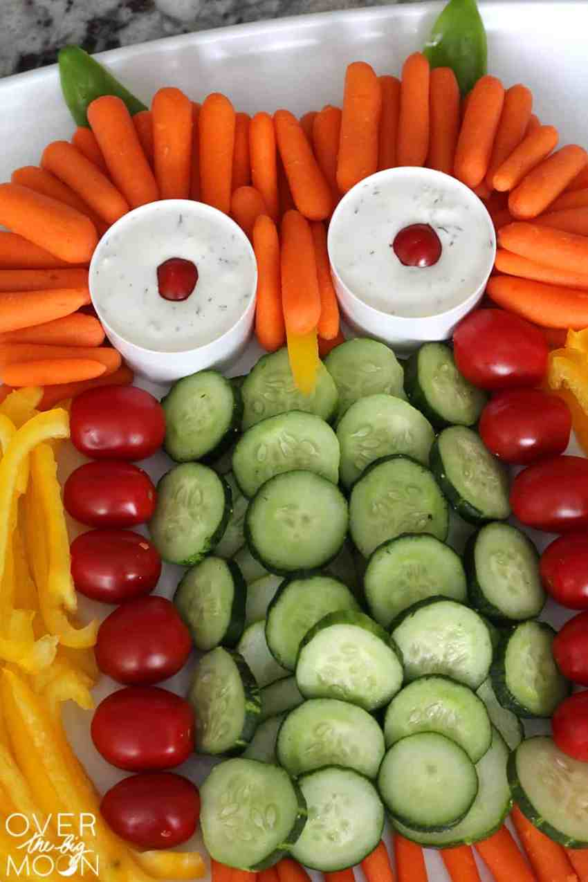 This Owl Veggie Tray is such a fun extra touch for any Fall gathering!   www.overthebigmoon.com