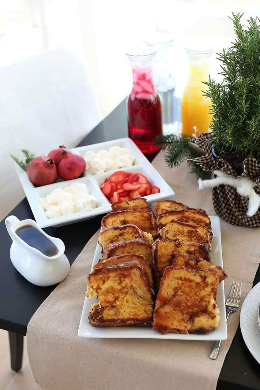 Christmas Brunch Menu Ideas to help create that perfect Christmas Brunch! From www.overthebigmoon.com!