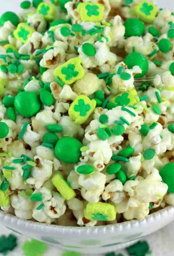 Fun Green Foods for St. Patrick's Day - overthebigmoon.com!