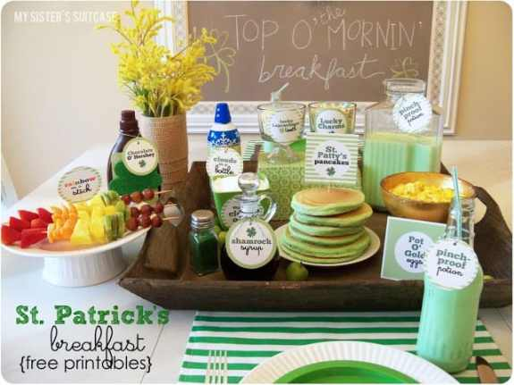 St. Patricks Day Green Breakfast Ideas + other recipes for St. Pat's Day! From overthebigmoon.com!