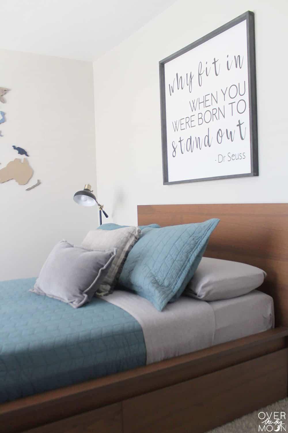 Super easy ways to update a bedroom! From overthebigmoon.com!