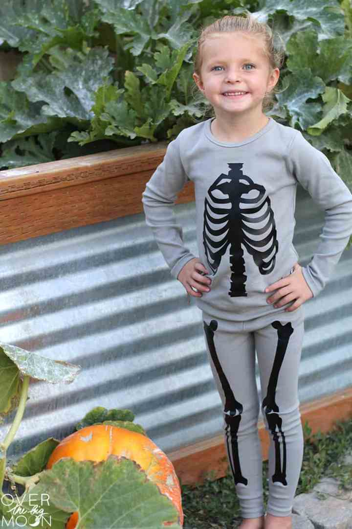 DIY Skeleton Pajamas! From overthebigmoon.com!