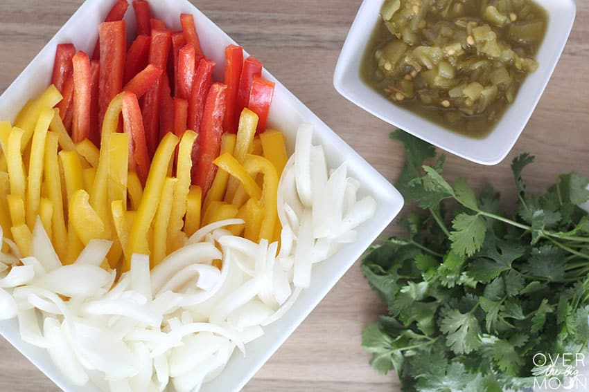 Veggies to add to your meat to make the most tasty Buffalo Ranch Chicken Fajitas! From overthebigmoon.com!