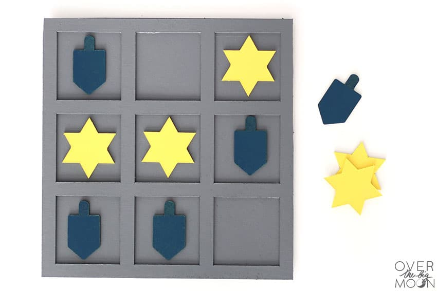 DIY Hanukkah Tic Tac Toe Game made from Chipboard with the Cricut Maker!
