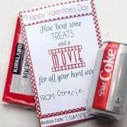 This Redbox Valentine's Day Teacher Gift is a simple and easy Valentine's Day gift that Teachers will love!