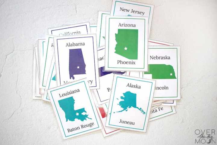 A pile of flashcards that help you learn the states and capitals.