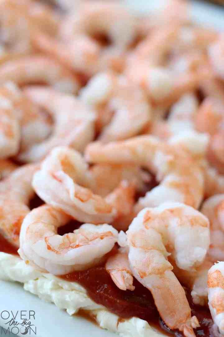 Up close shot of shrimp on a shrimp platter.