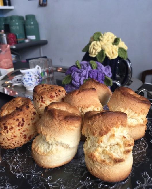 Fournée de scones au Tearoom, salon de thé britannique à Tours - ©Chloé Chateau
