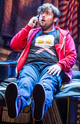 David Fynn in School of Rock at the New London Theatre @ New London Theatre. Music by Andrew Lloyd Webber. Book by Julian Fellowes. Lyric by Glen Slater. Directed by Laurence Connor. ©Tristram Kenton 10/16