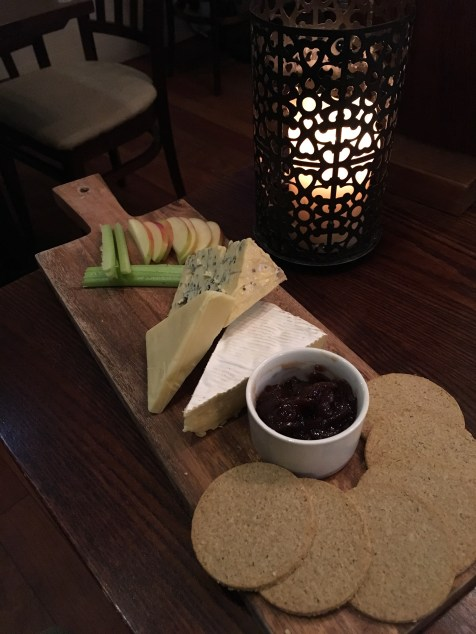 Dinner at the Antler's in Portree: cheese plate