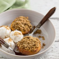 Baked Peaches with Crumble Filling