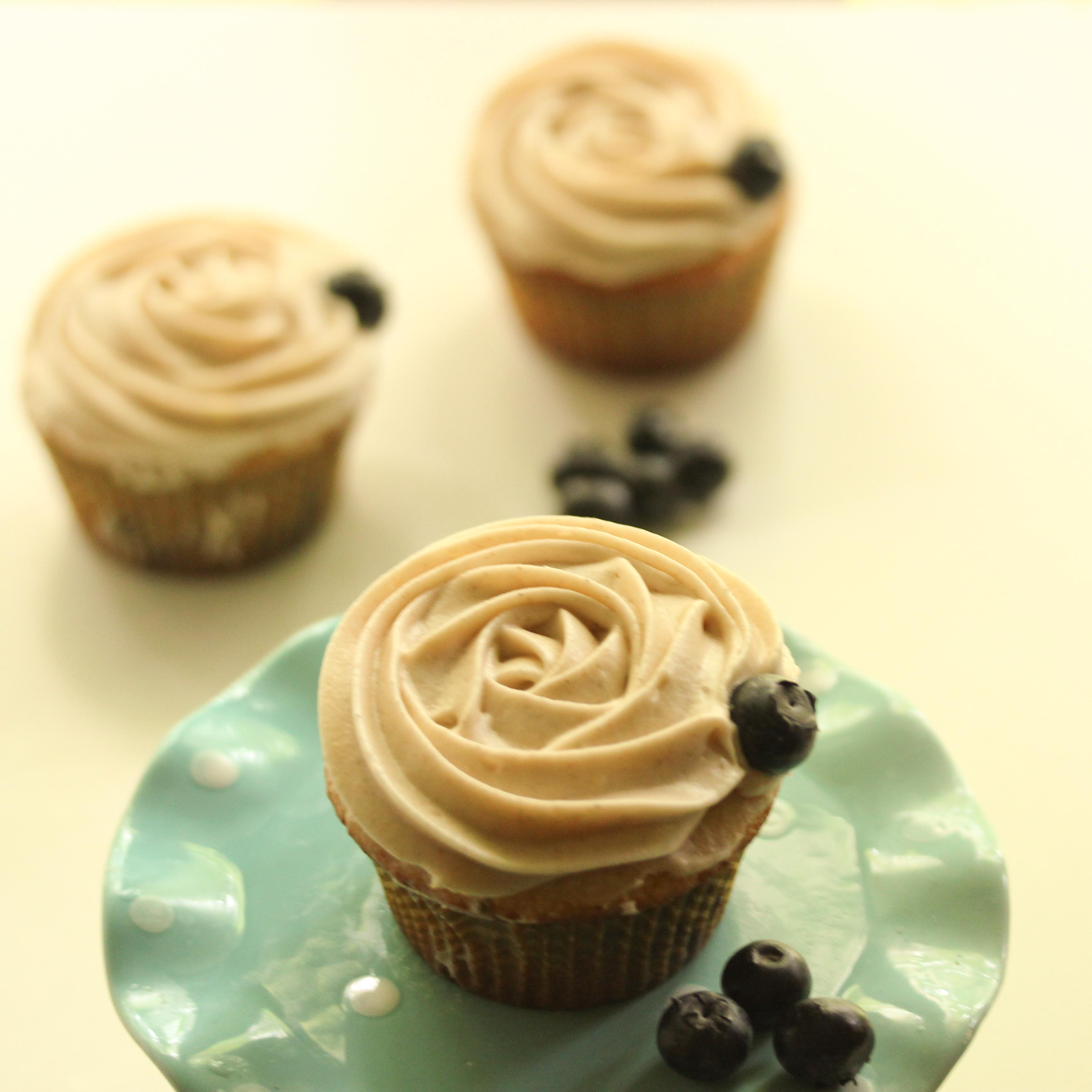 Blueberry Cupcakes with Cinnamon Cream Cheese Frosting ...