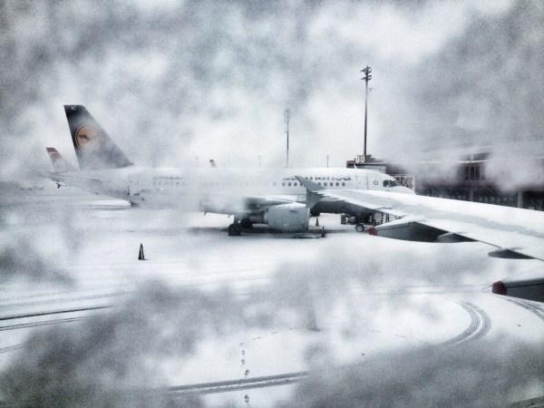 de-icing plane