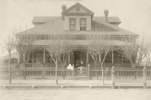 Early picture of house downtown Tucson, AZ where Puschs and Zipfs lived. Believed to be  house at 428 S. 4th Ave.