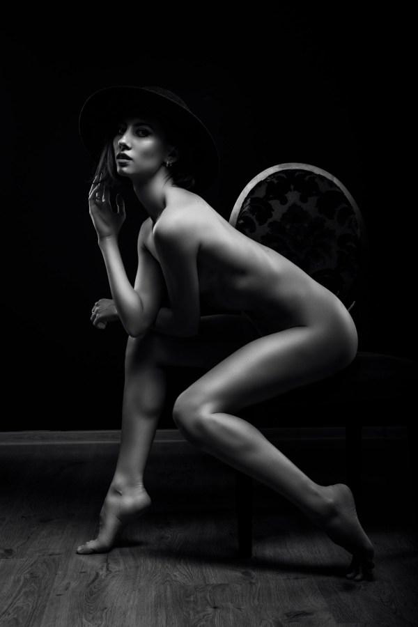 nude photo