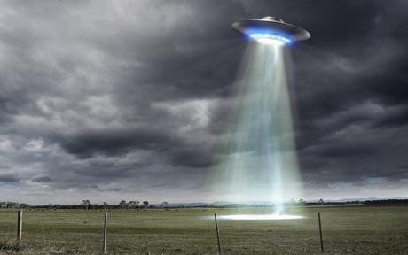 pessoas influentes e famosas que falaram a respeito de extraterrestres
