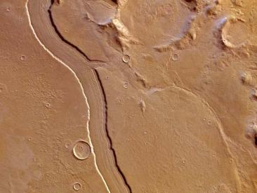 Descoberto leito de rio antigo em Marte