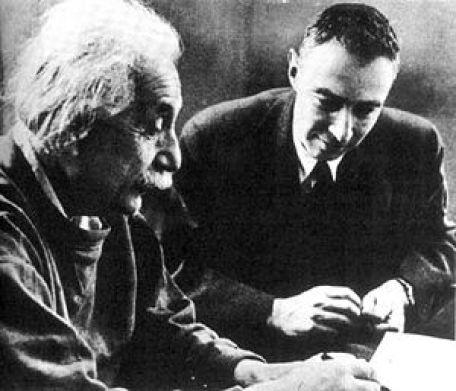 Einstein e Oppenheimer escreveram um documento secreto obre alienígenas