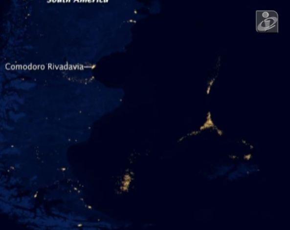Luzes misteriosas no Atlântico. NASA diz que são agrupamentos de barcos pesqueiros.