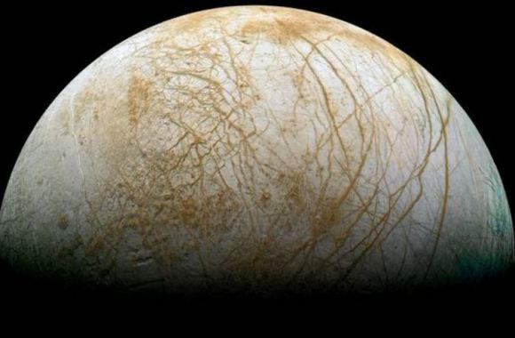 Europa, lua de Júpiter.