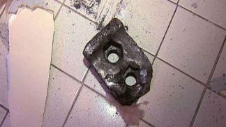 Pedaço de metal que caiu do céu na Flórida, EUA.
