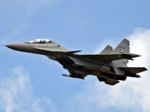 Caça Sukhoi Su-30 MKI, da Força Aérea Indiana, que teria abatido o OVNI