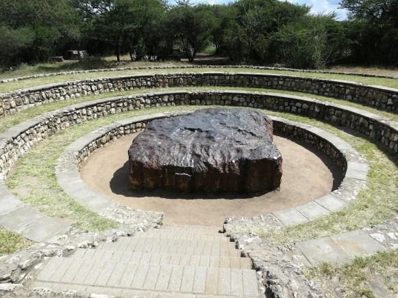Meteorito Hoba, da Namíbia, o maior meteorito conhecido no mundo.