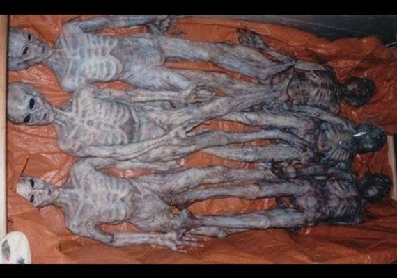 Corpos de alienígenas armazenados em cofres subterrâneos?
