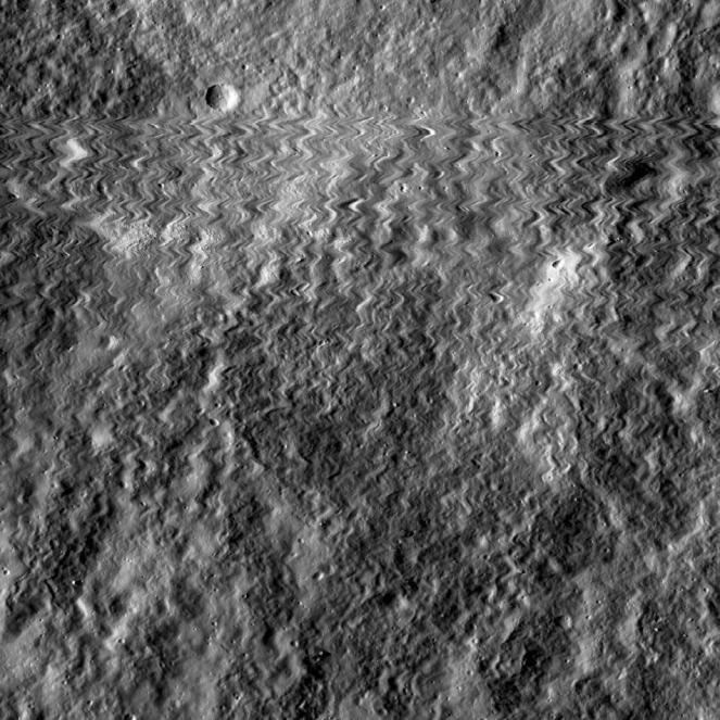NASA admite que objeto não identificado colidiu com sonda lunar, depois de 3 anos 1