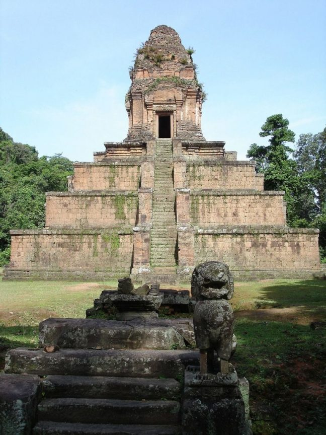Similaridades impossíveis: 2 templos, 14.000 quilômetros os separando 1