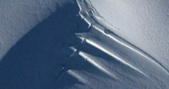 Teria uma enorme antena sido descoberta na Antártica