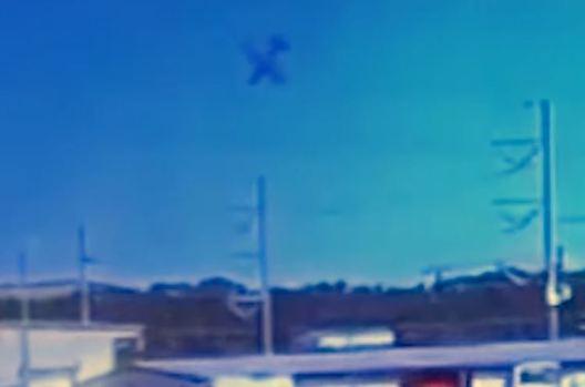 OVNI parece cair onde avião militar havia acabado de cair