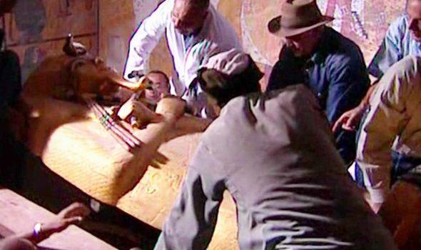 Seis arqueólogos morreram misteriosamente poucos meses após abrirem sarcófago
