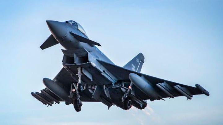 """Reino Unido envia caças atrás de """"aeronave não identificada"""""""