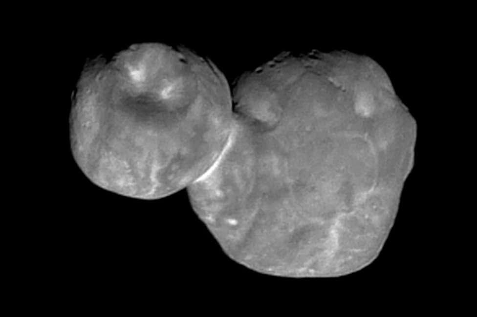 Imagem mais detalhada de objeto espacial em forma de boneco de neve é revelada