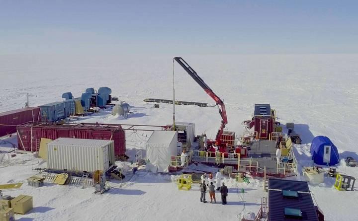 Vida é encontrada a mais de 1000 metros abaixo do gelo da Antártica 1