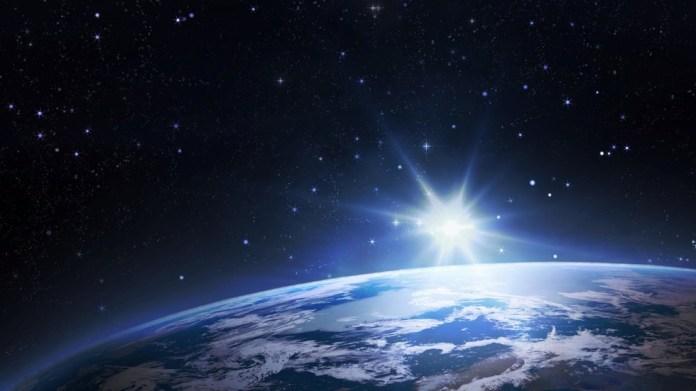 Satélite russo detecta explosões inexplicáveis de luz acima da Terra