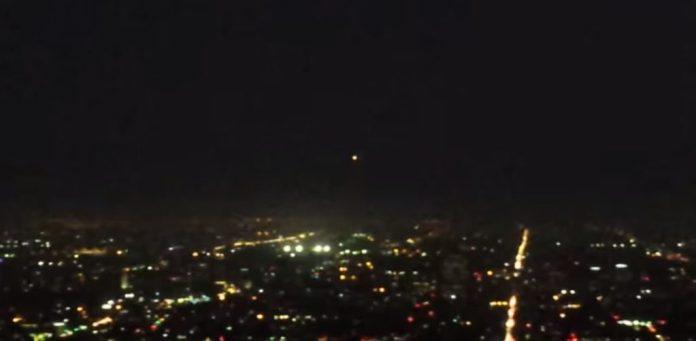 Luzes estranhas e caos militar por sobre Los Angeles