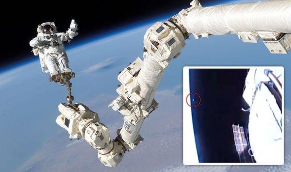 Imagens da caminhada espacial da NASA são interrompidas após anomalia ser vista