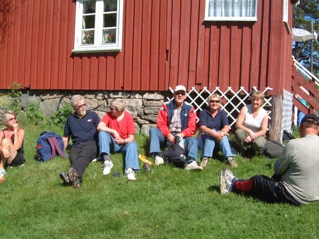 Noen av deltakerne på turen til Engelsåsen: Gerd Vigdis Slettedal, Kjell og Daghild Greibesland, Per og Gerd Lilly Omsland, Astrid Mjåland.