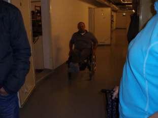 Museet er tilrettelagt for rullestolbrukere!: Ole Trygve Almedal kunne også være med selv om han for tiden bare kan komme seg fram i rullestol.