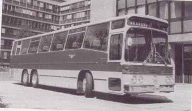 Nok en Mercedes Benz buss, denne er fra 1979.
