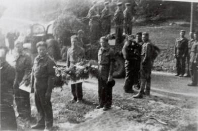 Fra begravelsen til den russiske krigsfangen.