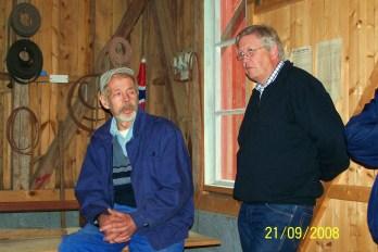Oddvar Sørli og Halvor Gudbrands var dyktige omvisere i bygdemølla som de har vært med på å restaurere, da vi hadde tur dit høsten 2008.