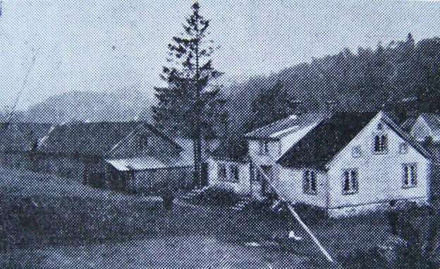 """Vollen på Øvrebø. I dag bolighuset til Ole Jørgen Horrisland. (Bilde fra """"Norges bebyggelse"""")."""