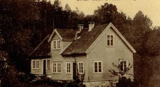 Meieriet på Mølla, senere landhandel og skomakerverksted.